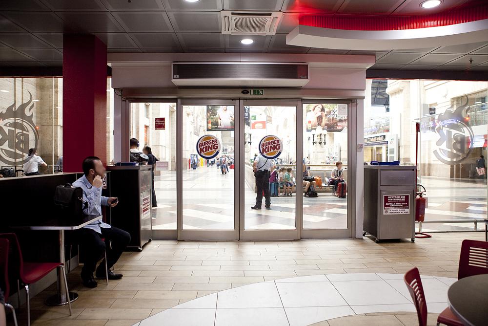 Burger king piano binari milano centrale - Orari treni milano centrale genova porta principe ...