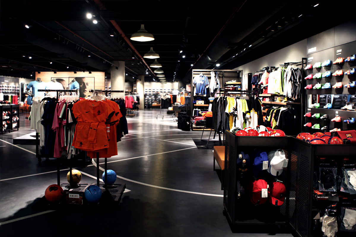 boutique nike milan