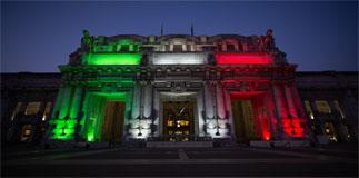 Milano Centrale si veste di luce Tricolore