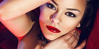 Mia Make Up: Velvet Touch.