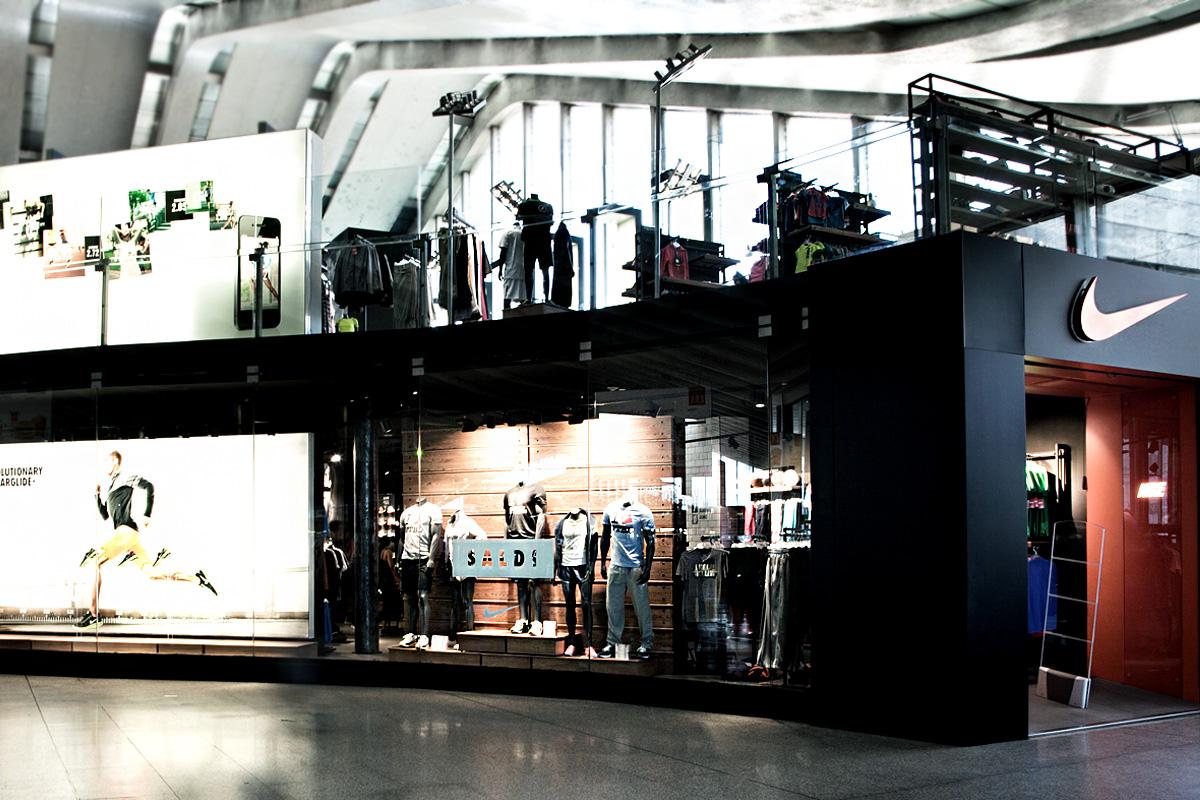 4579fe1473 Nike Store - Platform Floor | Roma Termini
